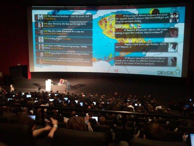 Advancecom - Tweeter Wall en salle plénière